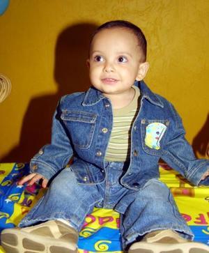 El niño Emiliano Padilla Zapata en la fiesta que le organizaron sus padres, por su primer año de vida.