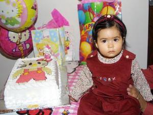 <u> 09 de noviembre 2003 </u> <p> Sofía Bautista Martínez en la merienda que le ofrecieron por su primer año; es hija de César Bautista Polendo y Cristabel Martínez de Bautista.