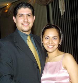 David Martínez Álvarez e Ilse de Martínez en un festejo social.