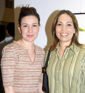 Lizette Gieser y Alida Villarreal.