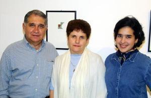 Manuel Leal, Asunción Belausteguigoitia e Idoia Leal Belausteguigoitia.