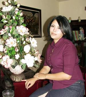 Adriana Sánchez de Garrido captada en su reciente visita a Torreón, ella viene procedente de la Ciudad de México, D.F.