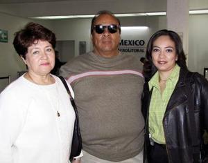 Lizbeth Silva se trasladó a Ciudad Juárez, Chih, por asuntos de trabajo, la despidieron Efraín Silva y Mary de Silva.