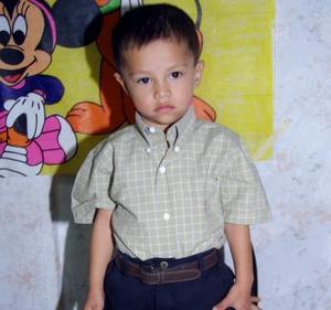 <u> 13 de noviembre 2003 </u> <p> José Carlos Silva Rodríguez festejó su tercer aniversario de vida con una fiesta que  le ofrecieron sus padres.