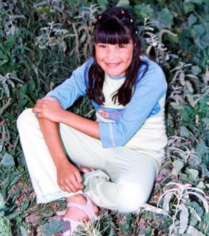 La pequeña Blanca Ivonne Ruelas Hernández festejó su décimo aniversario de vida el 12 de noviembre. Es hija de Ricardo Ruelas Ramos y Ma. Trinidad Hernández Ramírez.