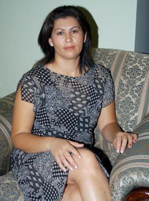 Lourdes Cardona de De Santiago en el convivio que le ofrecieron en fechas pasadas por su onomástico.