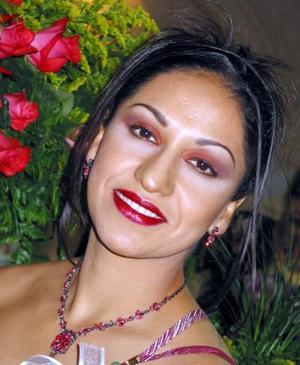 María del Carmen Morales Salas en su primera despedida de soltera.