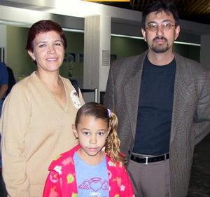 <u> 14 de noviembre </u> Fermín Licón viajó a Ciudad Juárez y fue despedido por Esnayra de León e hija.