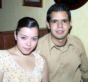 Annie Galindo y Carlos Moreno.