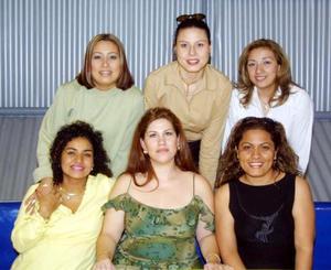 Sandy de Juárez, Cristy de Gutiérrez, Cristy de Díaz, Mónica  de Galiano, Liliana de Cervantes y Judith de Limones, captadas en reciente festejo social.