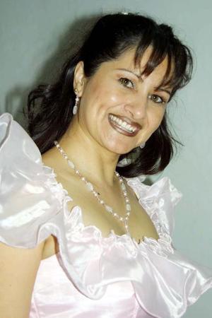 Lorena Robles festejó su cumpleaños en compañía de su familia.