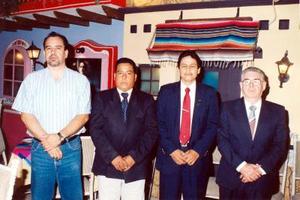 Señores Germán Domínguez, Gregorio Quintero, Miguel Navejas y Antonio Morfín captados en pasado evento social.