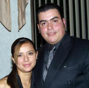 Nidia Aguilar de Mejía y Gustavo Mejía Gutiérrez captados en pasado festejo.