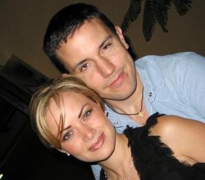 Olga Echávez y Juan Ibargüengoytia contraerán matrimonio el 29 de noviembre.