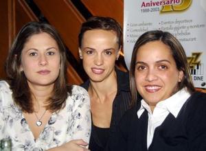 Noelie López Valdez y Canela Portilla, disfrutaron de una grata velada
