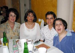 Eugenia de Prieto, María Fernanda de Rodríguez, María Eugenia Carstenso y Elaine Prieto.