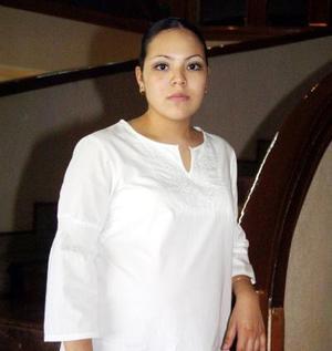 Jaqueline Iveth Rodríguez de Garza disfrutó de una fiesta de canastilla.