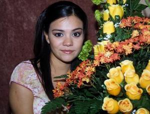 <u> 16 de  noviembre </u> <p> Alejandra Rodríguez Mazón en la despedida de soltera que le ofrecieron por su próxima boda.