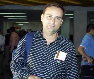 <u> 17 de noviembre </u> Por cuestiones de trabajo viajó al Distrito Federal Manuel Ángel Felices López.