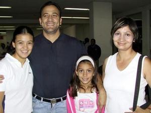 A Cancún viajaron Lulú Carrillo, Óscar Hernández, Neiry y Denisse Hernández.