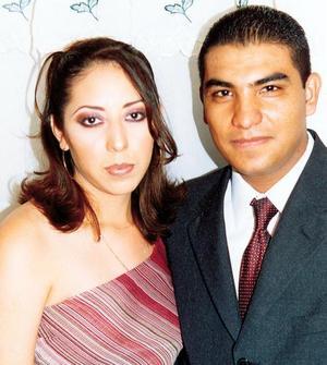 Brisa Alejandra Cruz de Santiago y Mario Adolfo  Vázquez Saénzpardo contrajeron matrimonio recientemente.