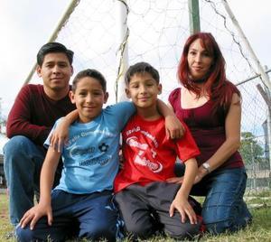 Óscar y Rodrigo González Reyes  fueron festejados por sus padres.