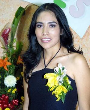Iliana Angélica  Vázquez Álvarez fue despedida de su soltería, por su próximo enlace matrimonial con Geney Tello González.