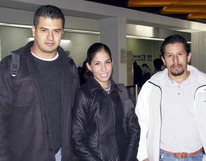 <u> 22 de noviembre </u> <p> Joaquín Fonseca y Néstor Padilla llegaron procedentes de  Guadalajara y fueron recibidos por Margarita Macías.