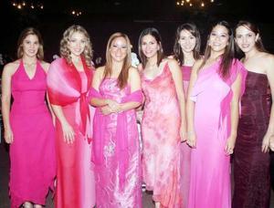 Deborah Madero, Belinda de Sánchez, Paty García, Helwe Dabdoud, Lupita Wong, Rhoda Real y Adriana Alarcón.