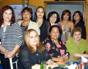 Blanca Luz Mota celebró su cumpleaños acompañada de sus amigas, Ana Isabel, Lupita, Yolanda, Tere, Dulce, Neta y Elia.