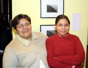 Alejandra Cortés Vilchis y Ana Abigail de Cortés.