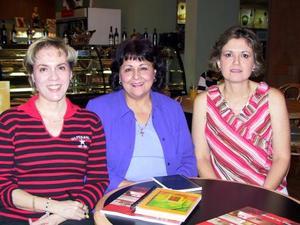 Idua  de Vargas, Silvia Cárdenas y Mónica de Mourey.