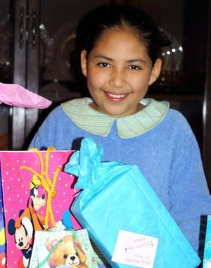 Alejandra Chacón Reyes festejó su décimo aniversario de vida con una divertida fiesta ofrecida por su s papás.