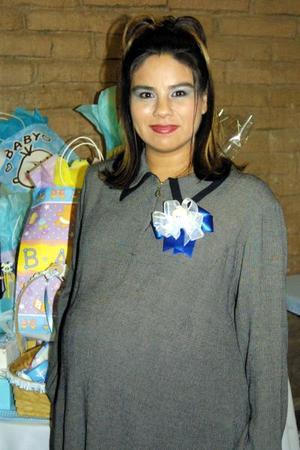 Ana Isabel Oviedo de Vázquez espera su primer bebé.