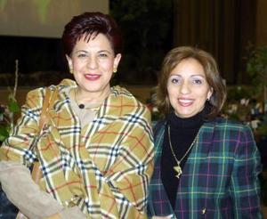 Gaby de López y Laura de Arroyo.