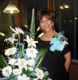 Pilar Sánchez de Jáquez fue festejada con una fiesta de canastilla.