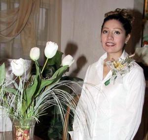 Claudia Iliana Tabares García en la despedida de soltera que le organizaron.