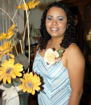 Lorena Esquivel Mata captada en una de sus últimas despedidas de soltera.