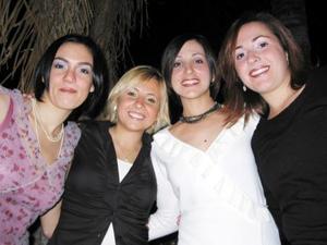 <u> 26 de noviembre </u> <p> Prisicila de De la Torre, Claudia de Villarreal, Bárbara Carrillo y Karla Russek gozaron de una grata velada.