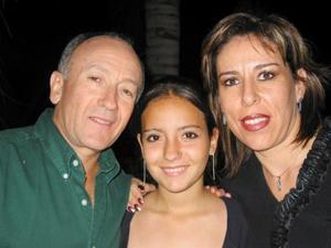 Mario Alberto Carrillo, Nenabel González de la Garza y María Inés Carrillo Gómez.