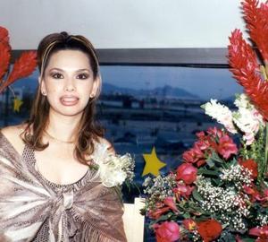 Karime Ceballos Martínez fue festejada con una despedida de soltera por su cercano enlace con Alfonso Rodríguez Méndez