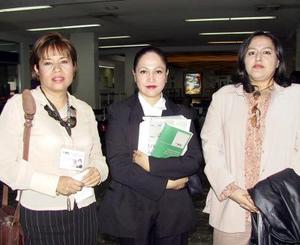 María del Carmen Colín y Ana  Carmona llegaron del DF y fueron recibidas por Mayela Sánchez