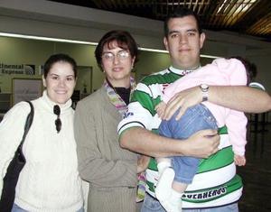 <u> 25 de noviembre </u> <p> Mariano Montaña regresó a la Ciudad de México y fue desepdido por Chari Beatriz y Paulina Montaña.