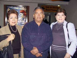 <u> 26 de noviembre </u> <p> Retornó a Tijuana, luego de visitar a sus familaires, Celia Pedrin de Lira, lo despidieron Fernando y Sara Guerrero.