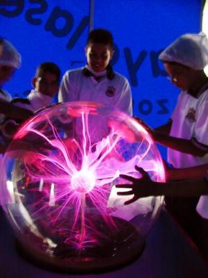 Una alternativa de aprendizaje, convivencia y diversión para los niños laguneros es el Papalote Móvil-Museo del Niño mantendrá abiertas sus puertas, todos los días y durante tres meses, en las instalaciones de la Expo Feria de Gómez Palacio, Durango.