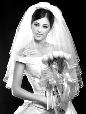 Srita. Usua Belausteguigoitia Bassó el día de su enlace matrimonial con el Lic. Carlos Alberto Martínez Flores. <p> <i>Estudio: Laura Grageda</i>