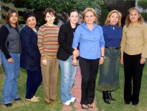 Carmen Macías Luévanos festejó su cumpleaños en compañía de sus familiares.
