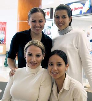 Isabel Nahle, Claudia Roca, Victoria Dávila y Maribel González.