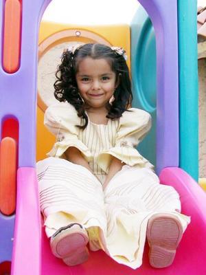Elizabeth Azpilcueta Silva en reciente convivio infantil