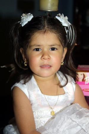 La pequeña Leslye de la Torre Lozoya cumplió tres años de vida y lo festejó con una divertida fiesta infantil.